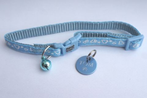 DESIGNER BLUE HEART SAFETY RELEASE CAT COLLAR WITH BLUE TAG ENGRAVED BOTH SIDES
